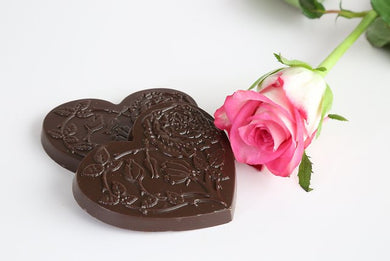 Ecuadorian dark chocolate with rose oil hearts (FANDT)