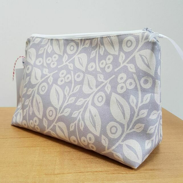"""Lucy"" grey cosmetic bag"
