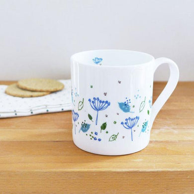 Blue cow parsley mug (CMT106)