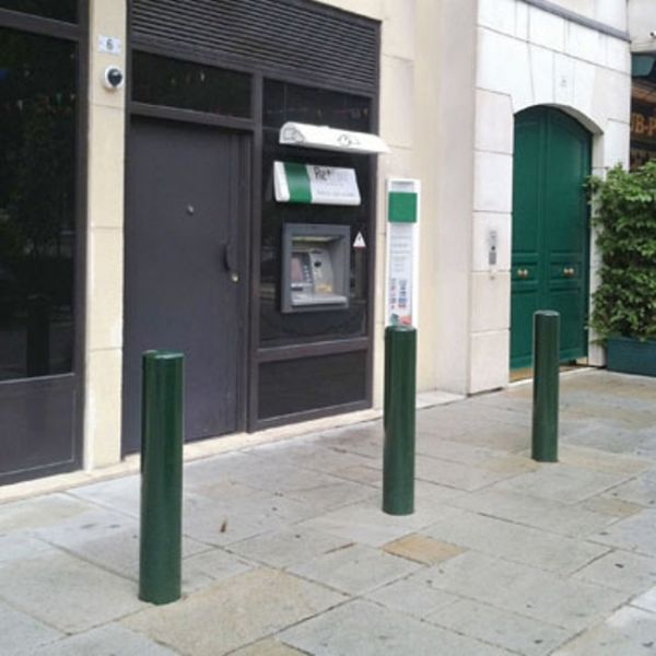 Anti-Ram Raid Steel Bollard Techni-Pros - techni-pros