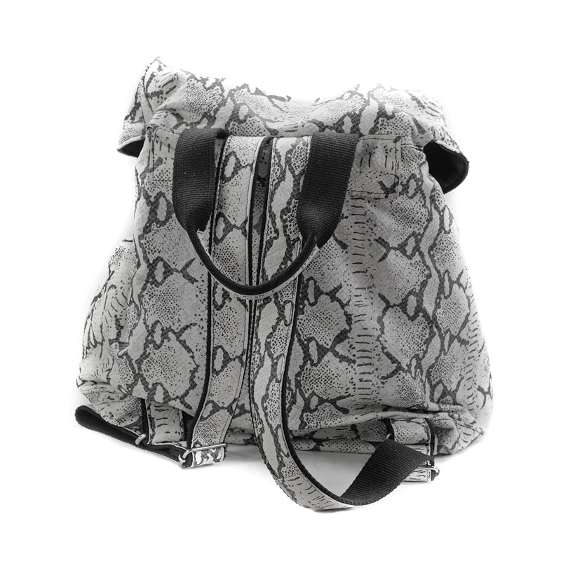 back site of back-bag kiara, leather black and white