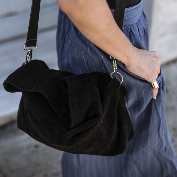woman with 3rd floor Handmade Crossfit Bag black close up