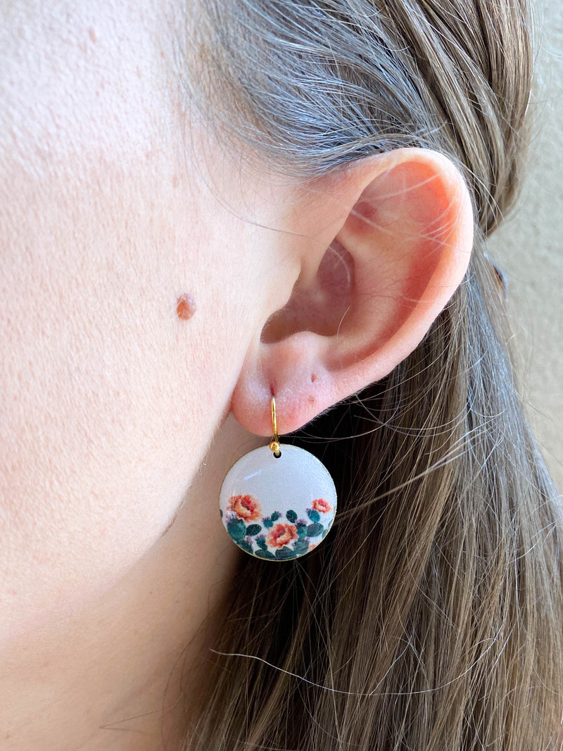 White Prickly Pear Small Resin Earrings