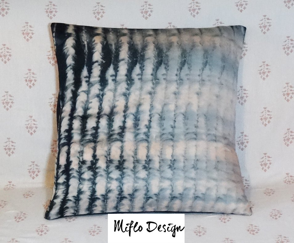 Shibori Style - Cushion Cover Black and Pastel pink