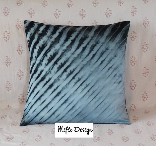 Shibori style - Cushion Cover : Blue and black