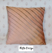Load image into Gallery viewer, Shibori Style : Cushion Cover : Old Pink