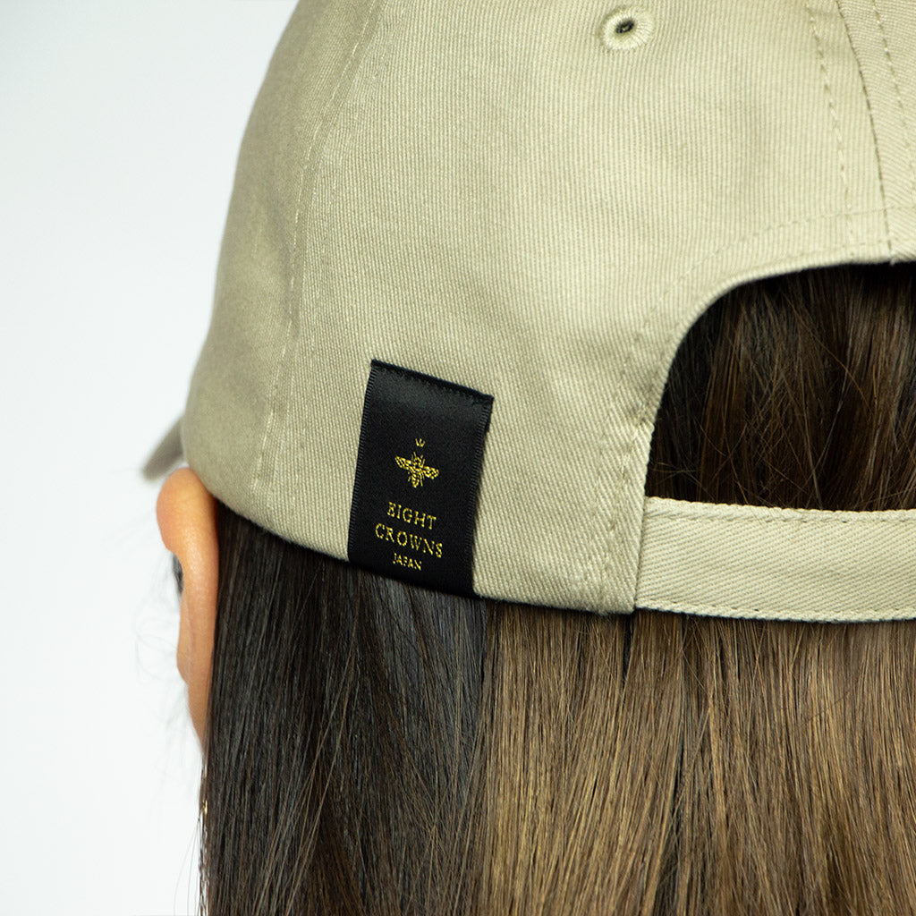 EIGHT CROWNS CURSIVE LOGO CAP