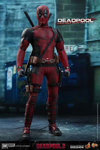 Hot Toys Marvel Comics Deadpool 2 Deadpool 1/6 Scale Action Figure
