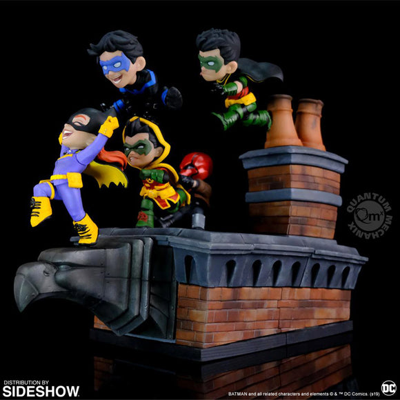Qmx DC Comics Q-Master Batman Family Knight Out Diorama