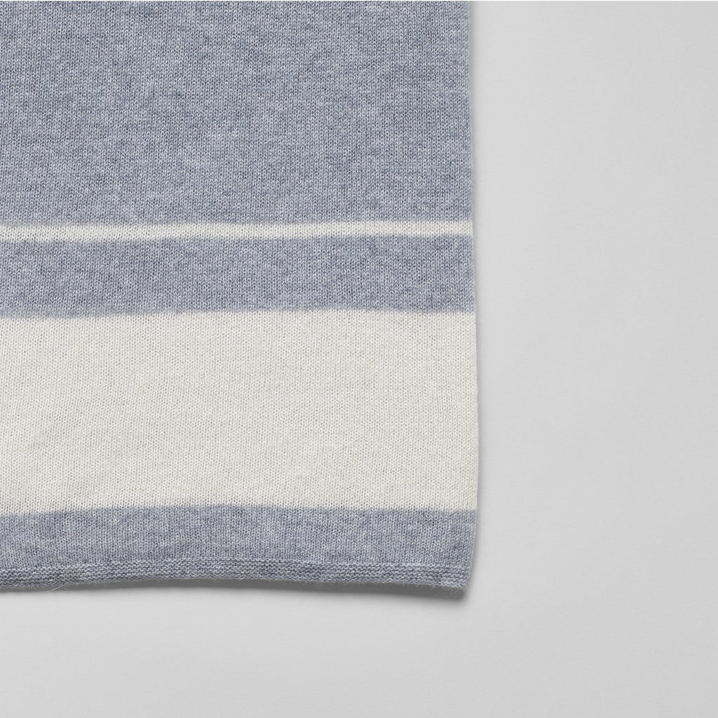 Cashmere Throw, Feather Grey/White