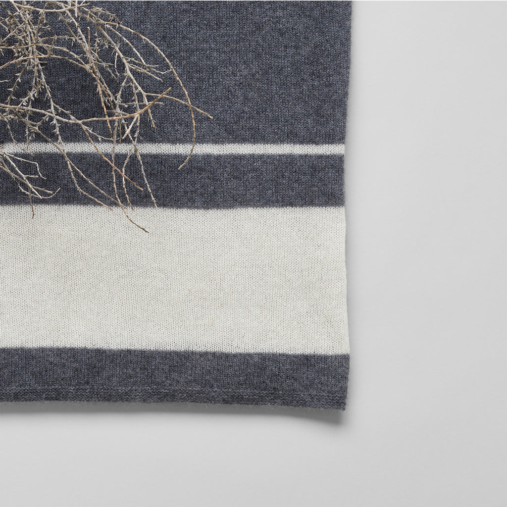 Cashmere Throw, Charcoal/White - Bloomist