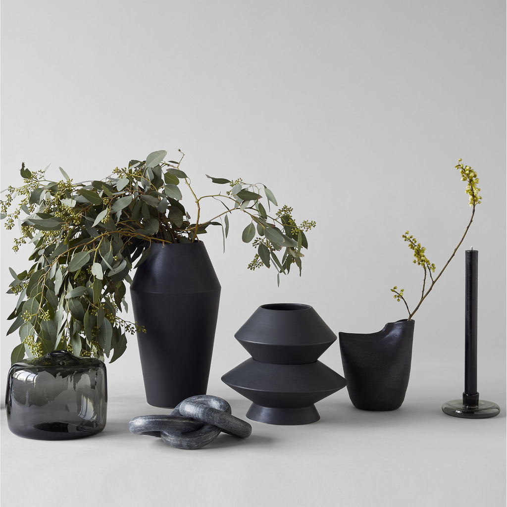 Medium Kado Vase, Matte Black