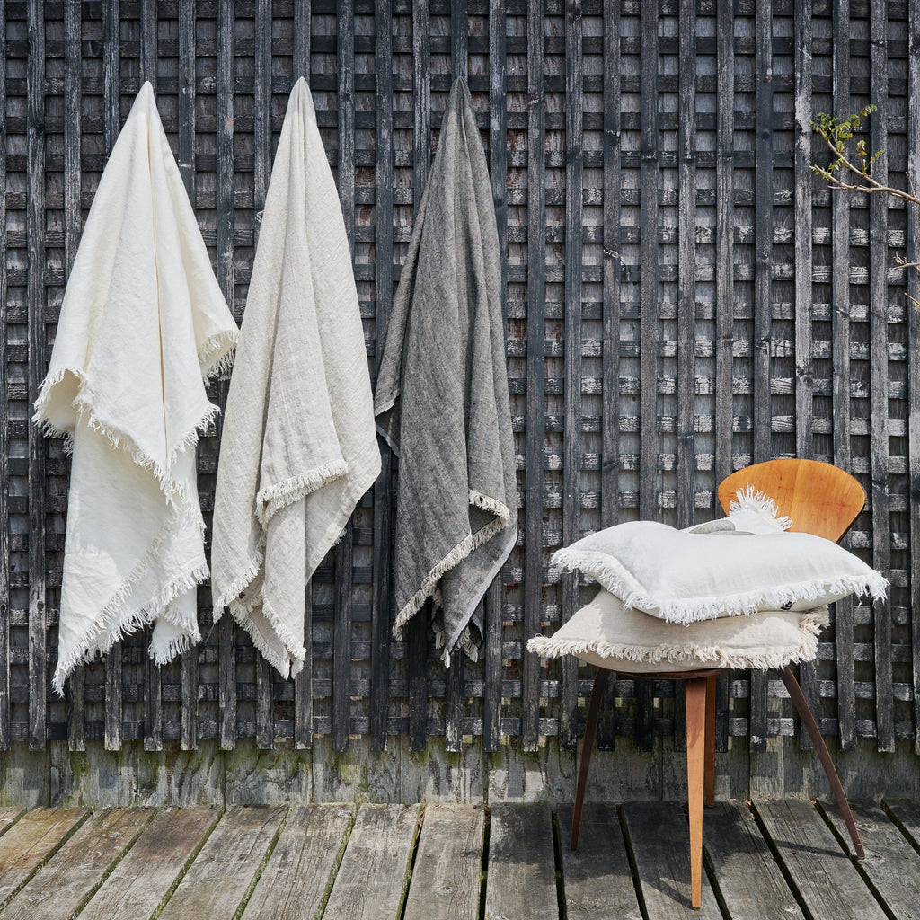 Linen Throw in White