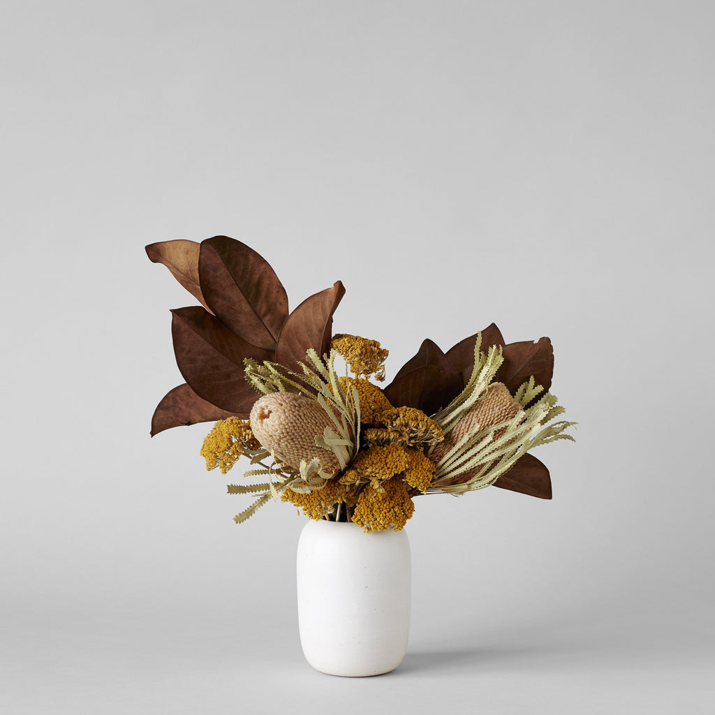 Oval Vase In Eggshell - Bloomist