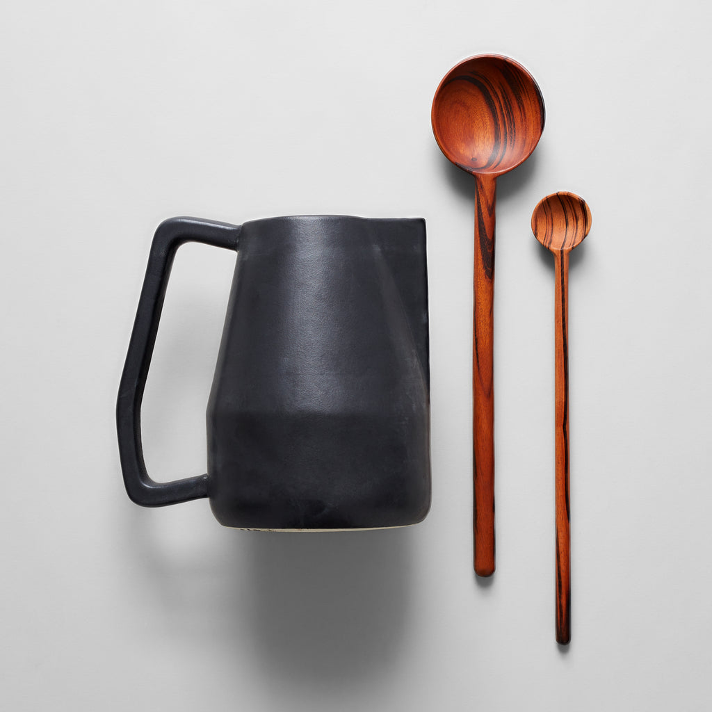 Black Novah Pitcher + Limonada Spoon Set