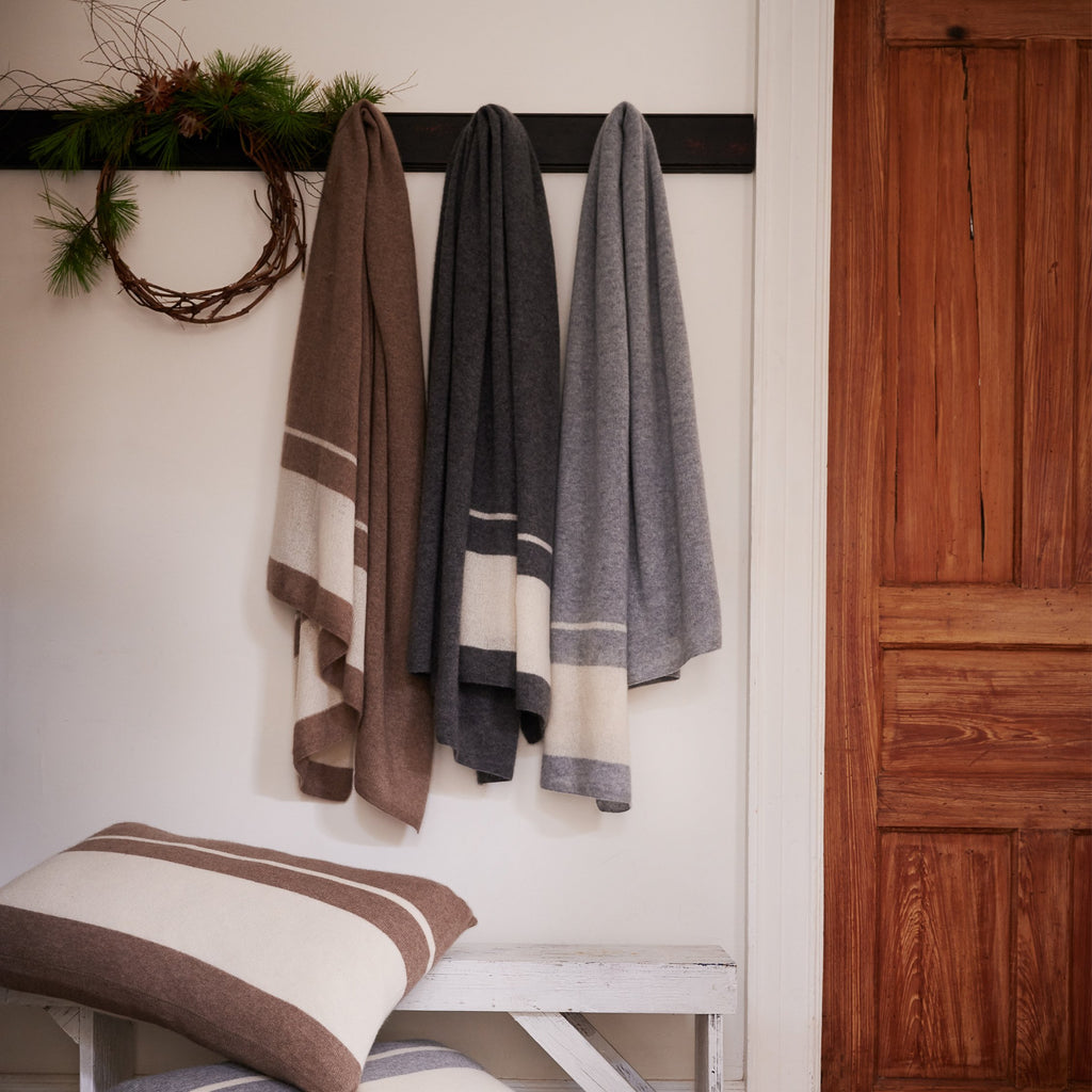 Cashmere Throw, Feather Grey/White - Bloomist