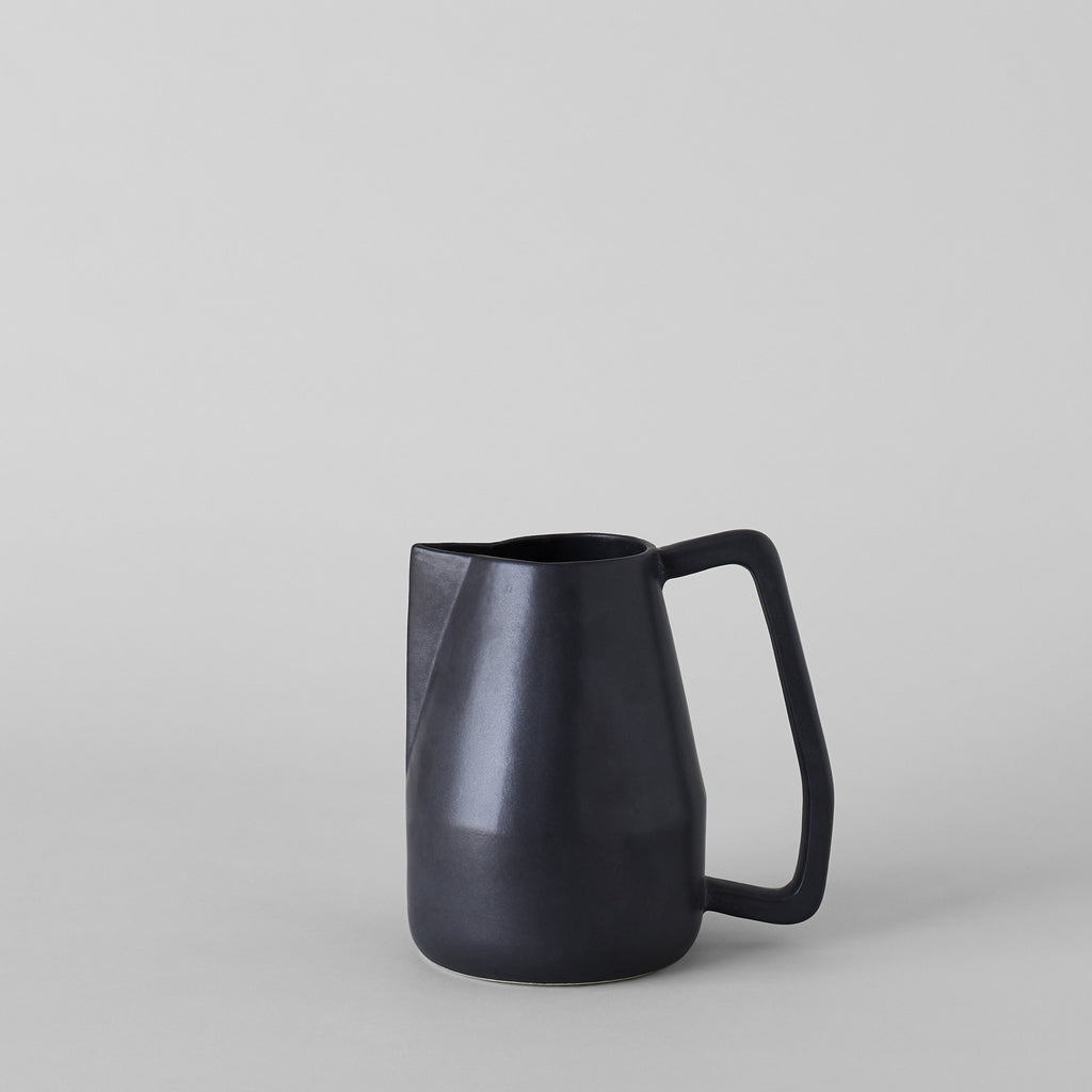 Black Novah Pitcher - Bloomist