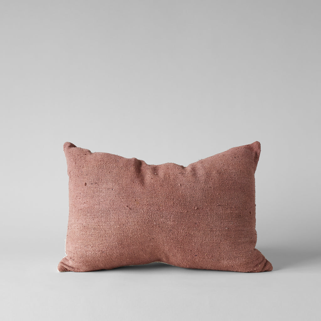 PLANT-DYED RAW SILK PILLOW IN ROSE 16x24