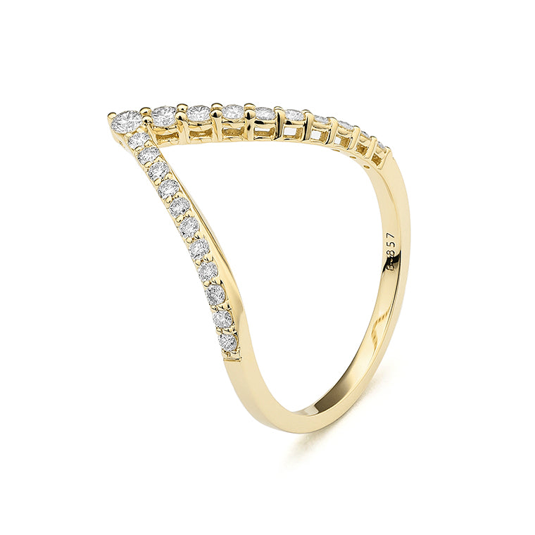 Yellow Gold and Diamond Arrow Ring Size 6.75