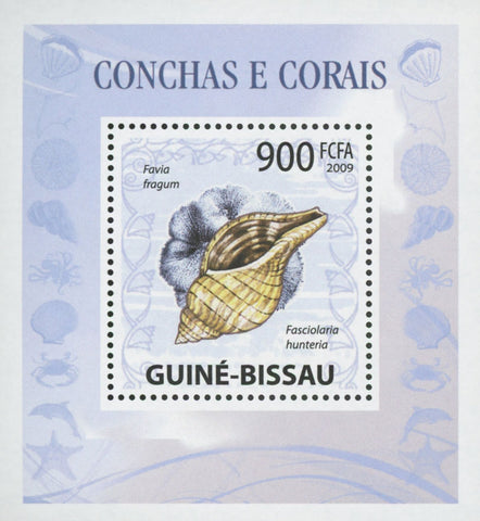 Guiné-Bissau Shells and Corals Fasciolaria Hunteria Miniature Sov. Sheet MNH