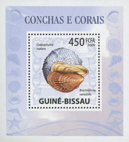 Guiné-Bissau Shells and Corals Brachidontes Variabilis Mini Sov. Sheet MNH