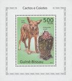 Cactus and Coyotes Canis Latrans Echinocactus Mini Sov. Sheet MNH
