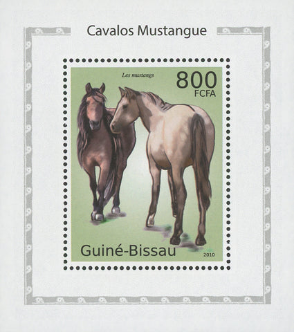 Horses Mustangs Mini Sov. Sheet MNH