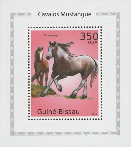 Horses Mustangs Running Mini Sov. Sheet MNH