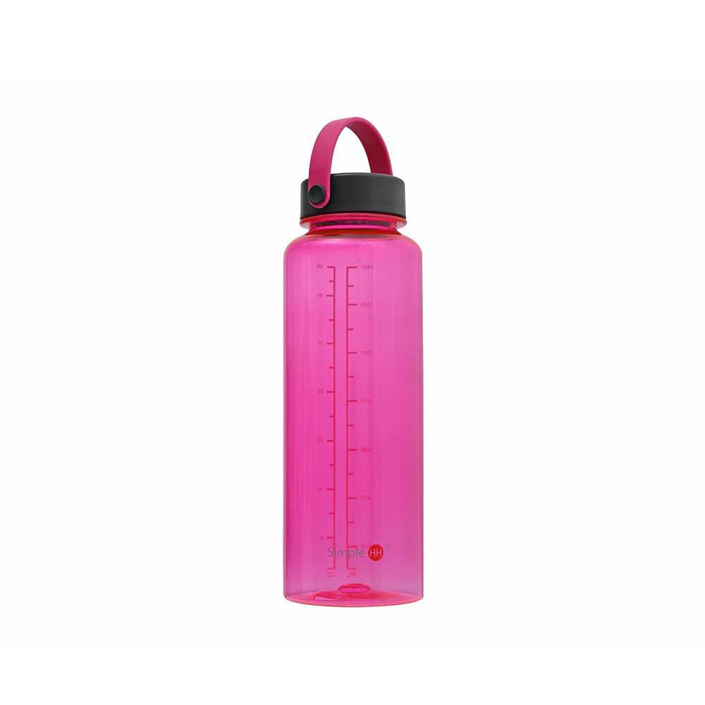 The 46oz Fuel Bottle in Black in Navy