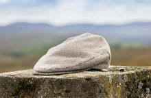 Load image into Gallery viewer, Oatmeal Traditional Tweed Flat Cap