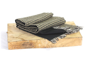 Crickhowell Tweed Scarf with Black