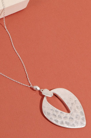 Maeve Hammered Metal Pendant Necklace