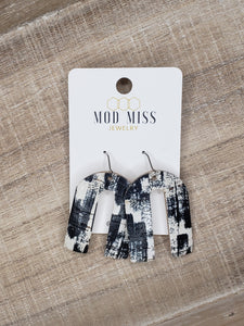Black & White Brushstrokes Cork Earrings