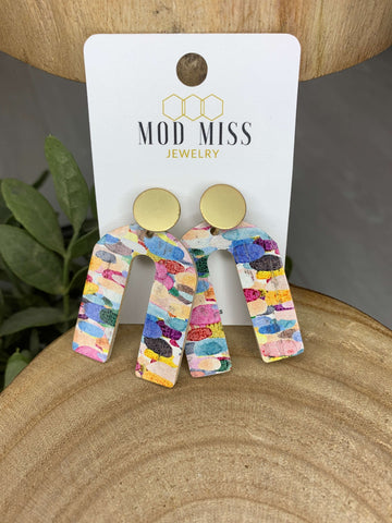 Confetti Rainbow Cork Arch with Gold Stud Earrings