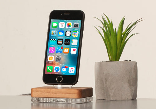 docking station for iPhone iPad Airpods
