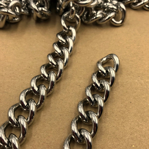 Chain Curb Stainless 15mm - Metal Field