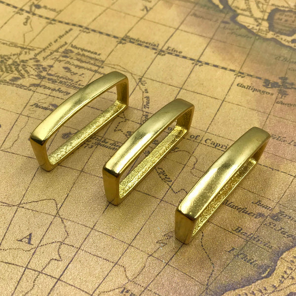 Brass Buckle Loop - Metal Field