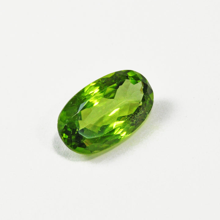 Peridot 5.0 carat 9.86 mm Faceted Oval Gemstone