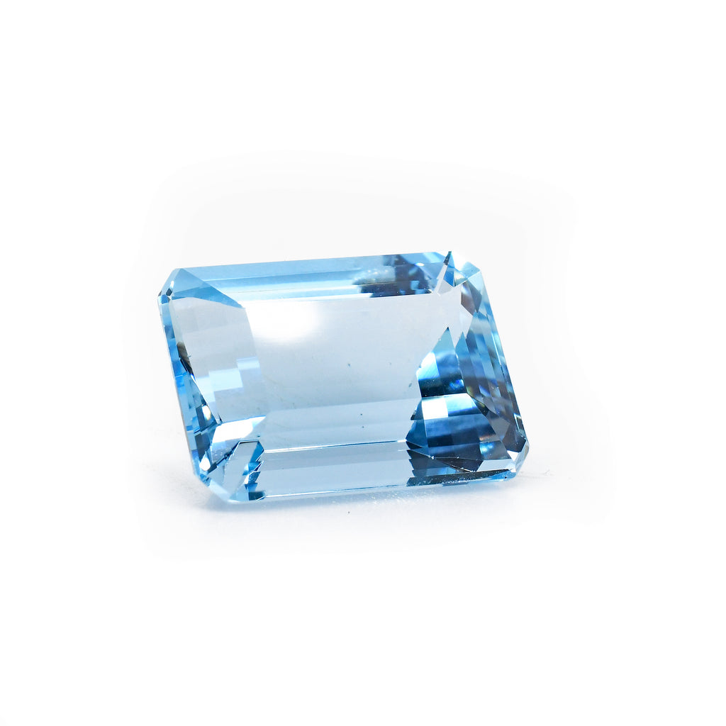 Aquamarine 14.75mm 9.1ct Faceted Gemstone