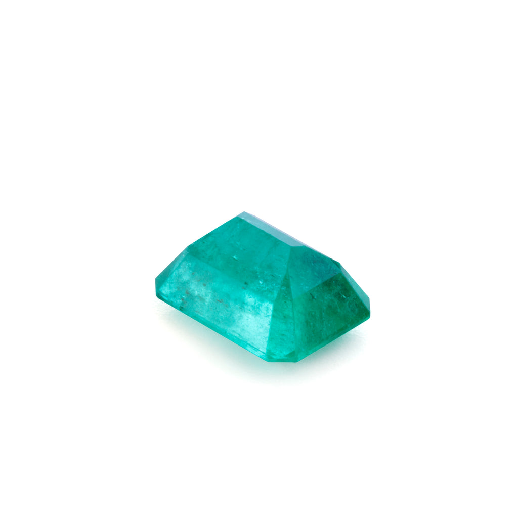 Emerald 3.38 carat Faceted Gemstone