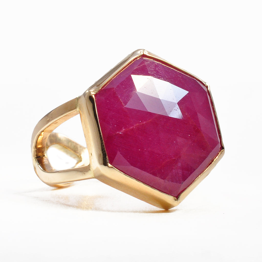 Ruby 19.66 mm 12.42 ct Rose Cut Hexagonal 14K Handcrafted Gemstone Ring
