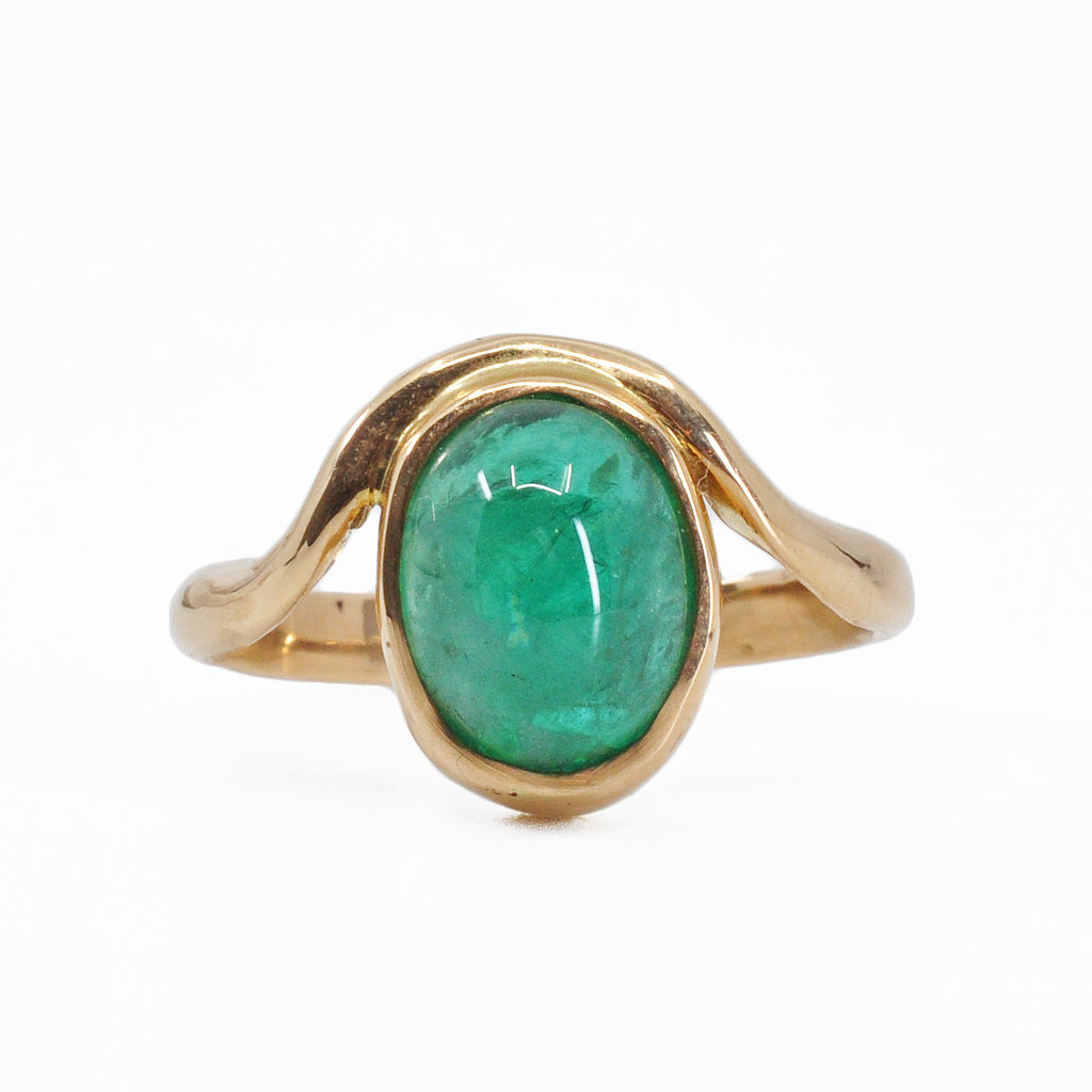 Emerald 10.30 mm 4.63 carats Oval Cabochon 14K Handcrafted Gemstone Ring