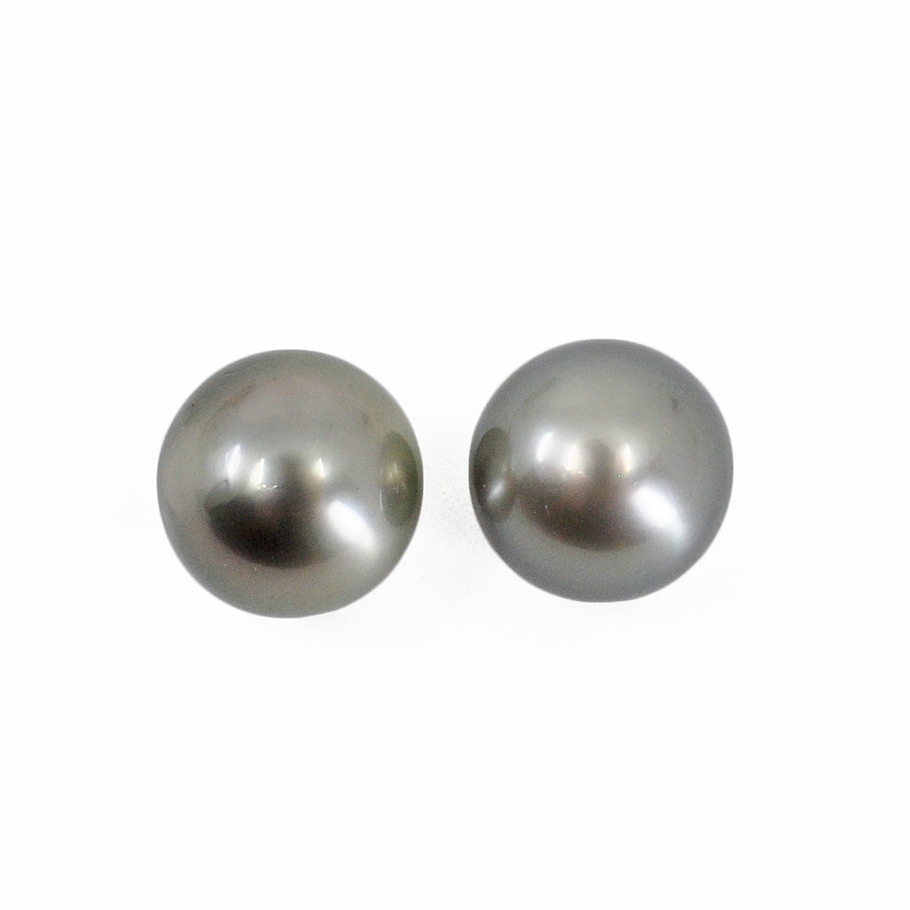 Tahitian Black Pearl 10mm 14.67 carats Natural Gem Pair