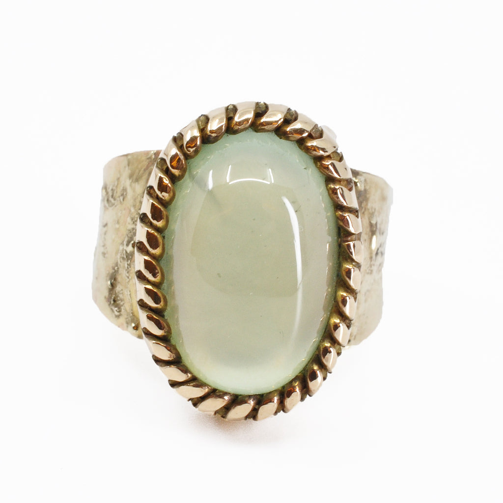 Prehnite 14.69 mm 12.45 carats Oval Cabochon 14K Handcrafted Gemstone Ring