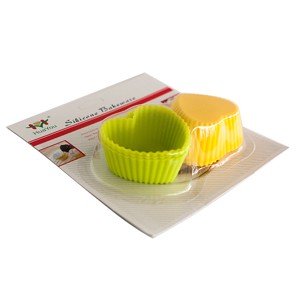 Set of 6 silicone heart cupcake cups