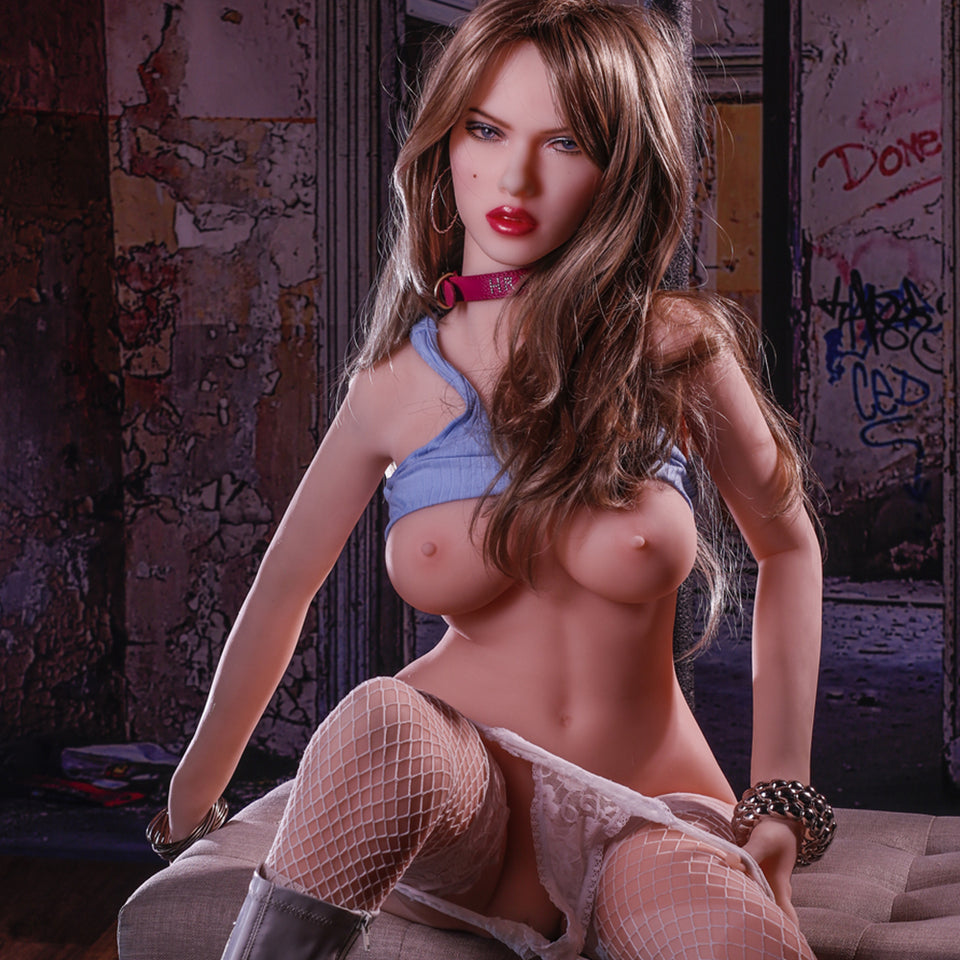 Natasha: White Sex Doll