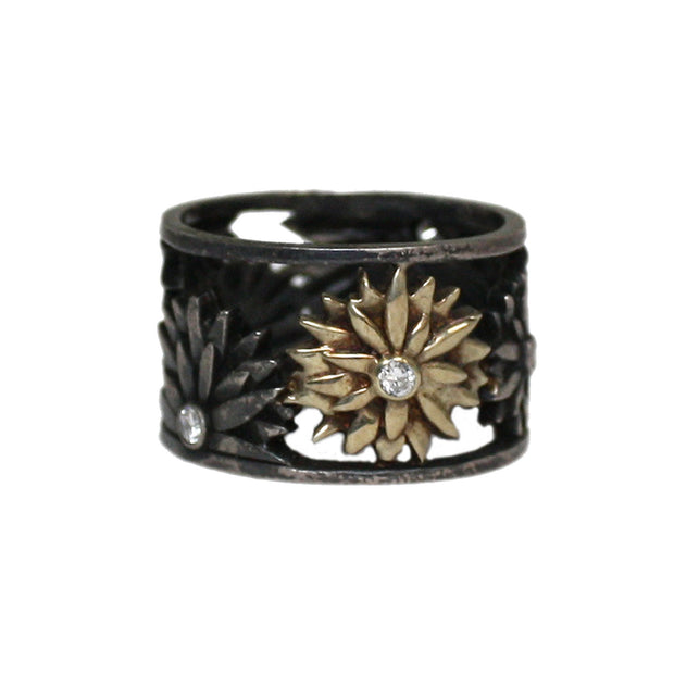 Ellie Thompson Thick Floral Diamond Ring | Field Museum Store