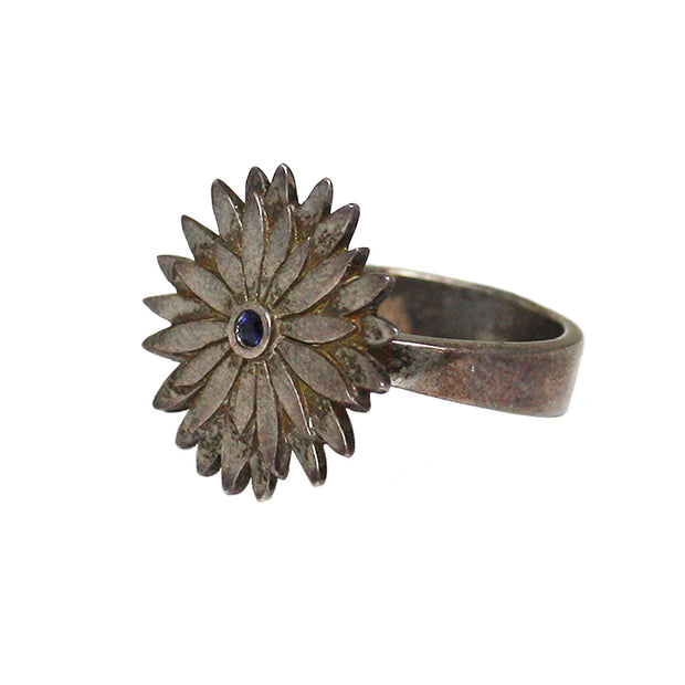 Ellie Thompson Sterling Silver Sapphire Floral Ring | Field Museum Store