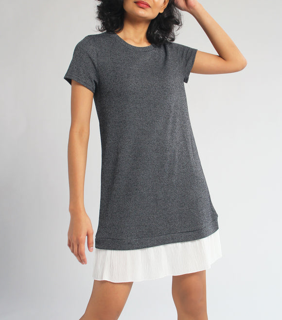 Laiza Short Sleeves Dress with Pleat Hem (Gray)