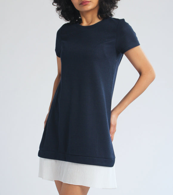 Laiza Short Sleeves Dress with Pleat Hem (Navy Blue)